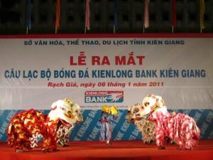 IMG 0254 300x225 Thành lập câu lạc bộ Bóng đá kiên Long Bank Kiên Giang