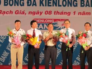 IMG 0276 300x225 Thành lập câu lạc bộ Bóng đá kiên Long Bank Kiên Giang