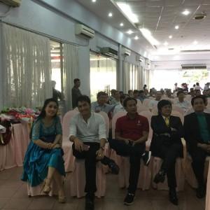 Nghệ sĩ Kiều Oanh, Hoàng Nhất, Châu Thanh đến góp vui cùng Hội đồng hương Kiên Giang.